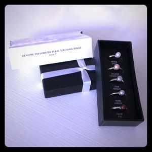 BEAUTIFUL NIB Avon Genuine Pearl Stacking Rings!